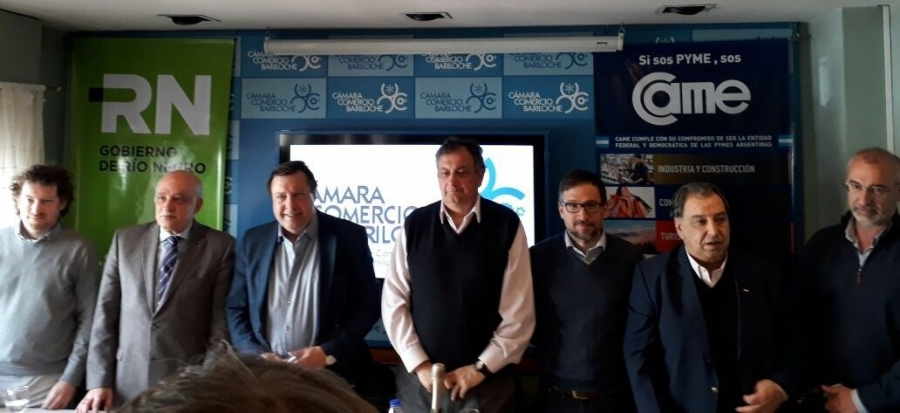 Firman convenio para impulsar el comercio local